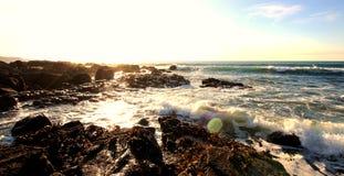 Rocky Cornish Coast di luccichio Immagini Stock Libere da Diritti