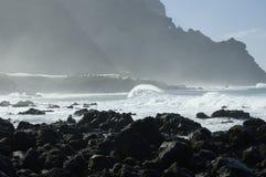 Rocky Costadel Buenavista strand, Tenerife, kanariefågel, Spanien Royaltyfria Bilder