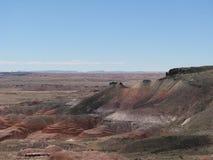 Rocky Crag in gemalter Wüste Lizenzfreies Stockfoto