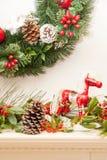 Rocky Horse Christmas och järnek III Royaltyfri Bild