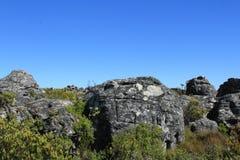 Rocky Landscape met Blauwe Skys Royalty-vrije Stock Afbeeldingen