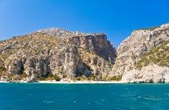 rocky morza Śródziemnego na plaży Fotografia Royalty Free