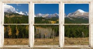 Rocky Mountain Continental Devide Rustic-Fenster-Ansicht Lizenzfreie Stockbilder