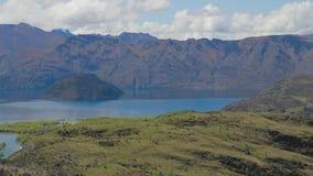 Rocky Mountain en Diamond Lake in het MT-het Streven Nationale Park in Wanaka, Nieuw Zeeland stock videobeelden