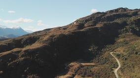Rocky Mountain en Diamond Lake in het MT-het Streven Nationale Park in Wanaka, Nieuw Zeeland stock video