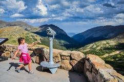 Rocky Mountain Joy - alpin besökaremitt - Rocky Mountain Nati royaltyfri fotografi