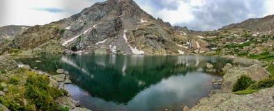 Rocky Mountain Landscape - árboles y montañas en 14.000 pies Imagen de archivo