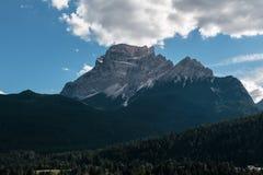 Rocky Mountain nelle alpi italiane delle dolomia nell'ora legale Fotografie Stock Libere da Diritti