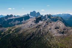 Rocky Mountain sterile con i ghiacciai nelle alpi italiane delle dolomia dentro Immagine Stock Libera da Diritti