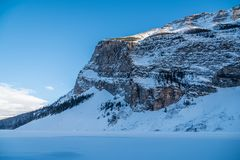 Rocky Mountain vicino a Lake Louise Immagini Stock Libere da Diritti