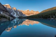 Rocky Mountains ad alba fotografia stock libera da diritti