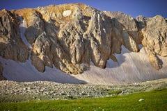 Rocky Mountains con estate Caucaso del paesaggio della neve del ghiacciaio bella Immagini Stock