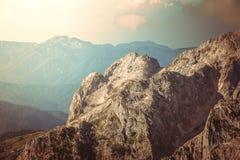 Rocky Mountains Landscape härliga Kaukasus Arkivbild