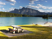 Rocky Mountains, Twee Jack Lake, Canada Stock Foto