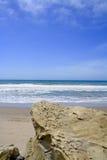 Rocky Pacific Ocean Shoreline Ventura la Californie Photo stock
