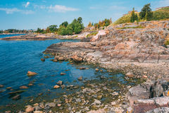 Rocky Seashore Landscape Near Helsinki, naturaleza de Fotografía de archivo