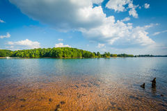 Rocky shore of Lake Norman, at Jetton Park, in Cornelius, North Stock Photography