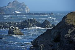 Rocky Shoreline in Californië Stock Foto's