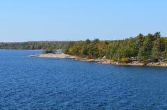 Rocky Shoreline de la bahía georgiana, parque provincial de Killbear, Ontario, Canadá imagen de archivo libre de regalías