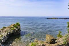 Rocky Shores de la isla de Presque Fotos de archivo
