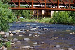 Rocky Stream in de Bergen van Colorado stock fotografie