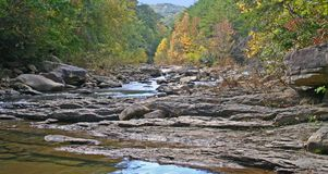 Rocky Stream en automne Images libres de droits