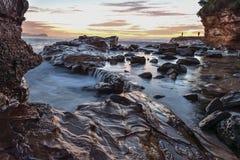 Rocky Sunrise Seascape royaltyfria foton