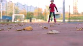 9 roczniaka dziewczyny rolkowy łyżwiarstwo zdjęcie wideo