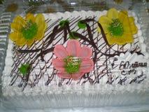 Rocznica tort z białą śmietanką fotografia stock