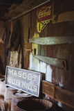 Roczników Amish frome kapeluszowy wiszący słup Zdjęcie Royalty Free