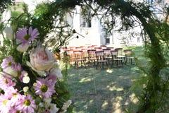 Roczników krzesła dla ślubnej ceremonii fotografia royalty free