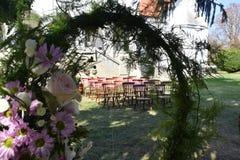 Roczników krzesła dla ślubnej ceremonii obrazy royalty free