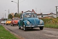 Roczników samochodów wolkswagena typ - 1 ściga lata siedemdziesiąte zdjęcia royalty free
