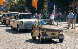 Roczników samochody na miasto dniu Fotografia Royalty Free