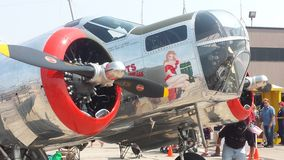 Roczników samoloty wojskowi na pasie startowym przy przedstawieniem Fotografia Royalty Free