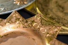 Roczników złoci i srebni kolorów bożych narodzeń talerze, dekoracja Obrazy Royalty Free