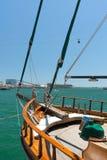 Rocznik łódź w Barcelona porcie - Hiszpania Zdjęcia Royalty Free
