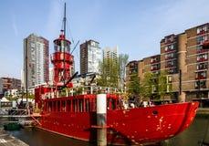 Rocznik łódkowata latarnia morska w Rotterdam, holandie fotografia stock