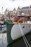 Rocznik łodzie dokują przy Wiktoria Klasycznym Łódkowatym festiwalem Zdjęcie Royalty Free