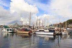 Rocznik łodzie dokują przy Wiktoria Klasycznym Łódkowatym festiwalem Zdjęcie Stock