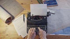 Rocznik architektury biurko z maszyn? do pisania, projektami i w?adcami, zbiory wideo