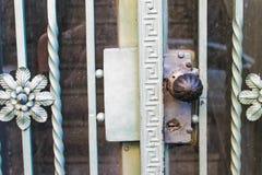 Rocznik architektury budynku Drzwiowy żelazo Retro fotografia stock