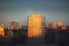Rocznik architektury klasyczny fasadowy budynek Frontowego widoku zakończenie up obraz stock