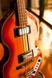 Rocznik basowa gitara Fotografia Royalty Free