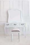 Rocznik bezcelowości stołu set z stolec i lustrem Zdjęcie Stock