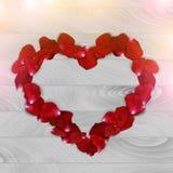 Rocznik czerwieni róży płatki w kierowym kształcie Obraz Royalty Free