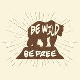 Rocznik etykietki niedźwiedź Projekt dla koszulki ilustracyjny wektorowy etykietki nakreślenia niedźwiedź Obraz Stock