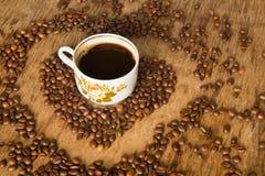 Rocznik filiżanka czarna kawa obrazy stock