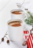 Rocznik filiżanka gorący kakao lub czekolada na drewnianym tle fotografia stock