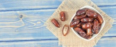 Rocznik fotografia, daty i żywienioniowy włókno, gdy źródło naturalne witaminy, zdrowy odżywiania pojęcie, kopii przestrzeń dla t obraz royalty free